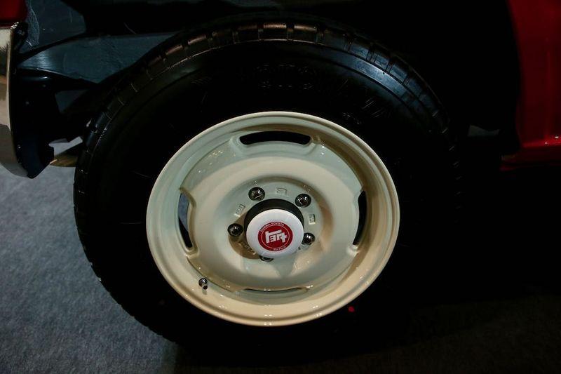 ランクルがモチーフ「ジムニー concept L/C」 東京オートサロン2019