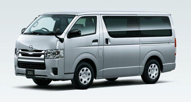 「マツダ ボンゴブローニイバン GL(2WD)」車両外観フロント(シルバーマイカメタリック)