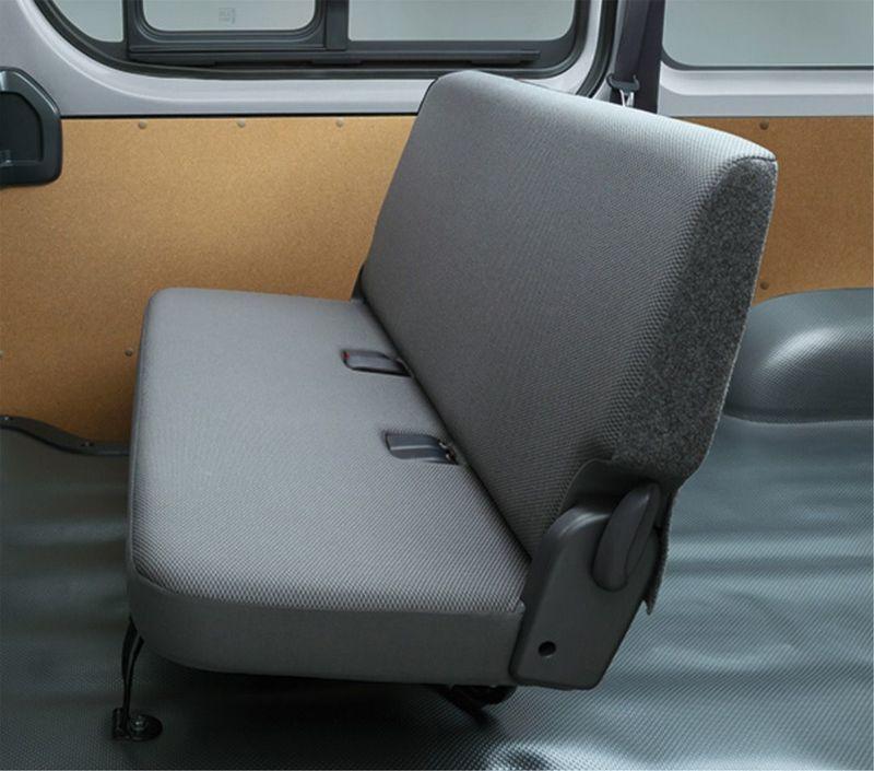 「マツダ ボンゴブローニイバン GL(2WD)」リアシート