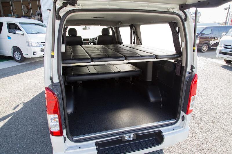 効率的に荷物を積み込め、かつ車内で快適に休憩できるカスタム