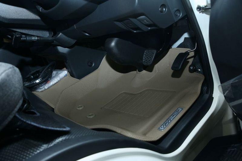 GORDON MILLER(ゴードンミラー)の運転席・助手席用のラバーフロアマット オートサロン2020