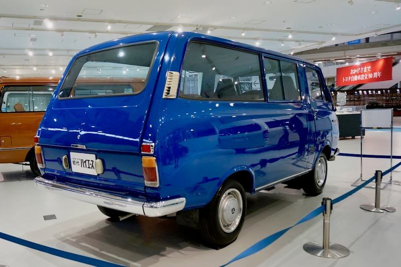 初代ハイエース10系(1967年〜)