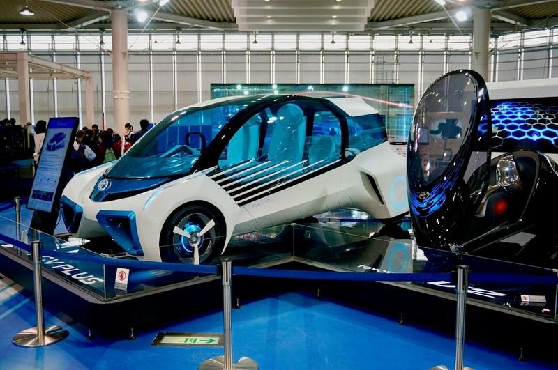 燃料電池車両FVC PLUSなど様々なコンセプトカーも展示