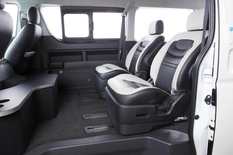 オリジナルキャプテンシートパッケージ ユーアイビークル オートサロン2018