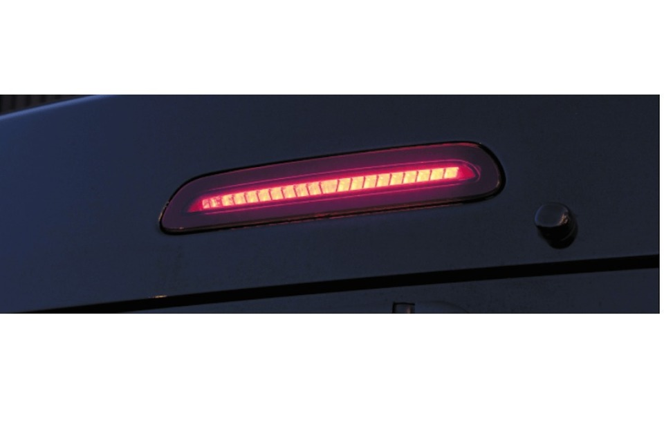 スモール点灯 ヴァレンティ ジュエルLEDハイマウントストップランプ 200系ハイエース タイプ2