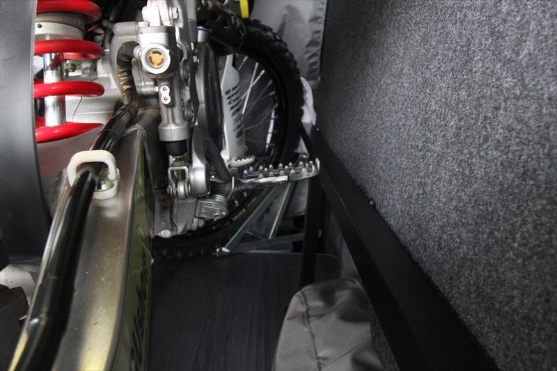 200系ハイエース S-GL ESフリップベッド