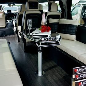 LEGANCEカスタムハイエース  ハイエース200系WIDE  内装  シートカバー、アレンジシステムシート  横向きソファ テーブル  車中泊ベッドキット  J-CLUB  スーパーカーニバル2016出展車両