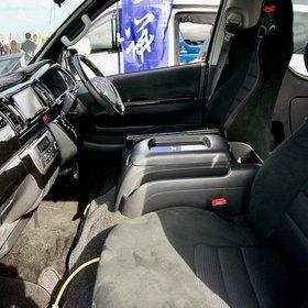 415 COBRAハイエースカスタム  ハイエース200系ナロー  内装、運転席 オリジナルBRIDEシート  スーパーカーニバル2016