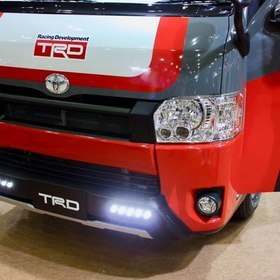 TRD(トヨタ・レーシング・ディベロップメント)ハイエース  フォグランプが印象的 オートサロン2017出展車両