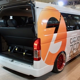 カーハウスZEROのカスタムハイエース MTB-ZERO TYPEⅣ LTD オートサロン2017出展車両 100系スーパーカスタム(1つ前のモデルの豪華装備のワゴン)を200系4型へ。 リア