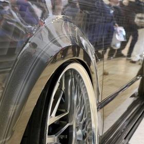 KUHL(クール)&KITZ(キッツ)のカスタムハイエースHIACE BADLOOK  VERZ-WHEELS KCV01 ワンオフオーバーフェンダー ネガティブ・キャンバー 東京オートサロン2017出展車両
