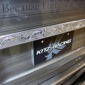 KUHL(クール)&KITZ(キッツ)のカスタムハイエースHIACE BADLOOK  KUHLRACING新作オリジナルエアロキット  グラフィックペイント 東京オートサロン2017出展車両