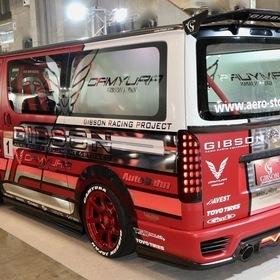 GIBSON(ギブソン)カスタムハイエース  GRAFAM Gren GT  リア外装 ベース車両:TOYOTA | 4型200ハイエース標準ボディーMT  エアロ:GRAFAM Gren (グラファム グレン)  ホイール:CAMYURA  東京オートサロン2017出展車両
