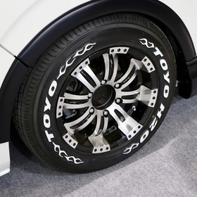 FLEDERMAUS(フレーダーマウス)カスタムハイエース  車両名:ハイエース REGINA Altair  ベース車両:TOYOTA | ハイエース  ホイール:CUERVO8(16inx7.5J+32) 東京オートサロン2017出展車両