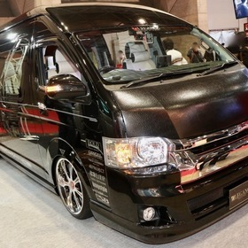 LEGANCE LEGANCEコンプリートカー Type-G ベース車両:TOYOTA | ハイエース エアロ:LEGANCE ホイール:バックギャモンLS7 東京オートサロン2017出展車両