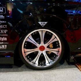 LEGANCE  LEGANCEコンプリートカー Type-G  ベース車両:TOYOTA | ハイエース  ホイール:バックギャモン LS7 東京オートサロン2017出展車両