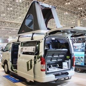 BLUME  車両名:ラングラー  ベース車両:TOYOTA   ハイエース リア外装  エアロ:BLUMEブッシュバー  ホイール:BLUME海神  東京オートサロン2017出展車両