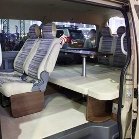 FLEXカスタムハイエース  Renoca HIACE COAST LINES  ベース車両:TOYOTA | ハイエース  内装: FLEXオリジナルシートアレンジVer.1 東京オートサロン2017出展車両