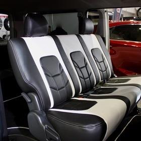 LANBOカスタムハイエース LANBO HIACE200 ベース車両:TOYOTA   ハイエース シート:LANBO LEATHER SEAT COVER TYPE VOID 東京オートサロン2017出展車両 ユーロスポーツをモチーフにしたデザイン「Type VOID 」。圧倒的な存在感と近未来的な室内空間を演出し、さらに最高の座り心地とホールド感を実現!