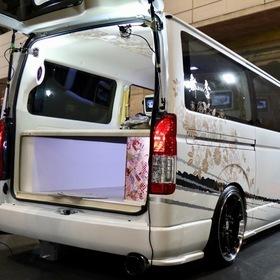 舞杏(ブアン)カスタムハイエース  ベース車両:TOYOTA | ハイエース リア外装 ホイール:KBレーシング20 東京オートサロン2017出展車両