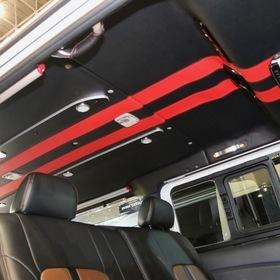 ARJ(350MOTORING) ベース車両:NISSAN | NV350キャラバン 天井:ルーフトリムレザー張り 東京オートサロン2017出展車両