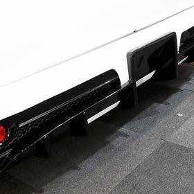 K-BREAK  BEECAS F200L  ベース車両:TOYOTA | ハイエース  リア外装 エアロ:BEECAS F200L  ホイール:BEECAS DM18T(F・R 18×8.0J+38)  東京オートサロン2017出展車両