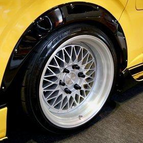 CRS/ESSEX ローダウンハイエース ESSEXホイール「ENCD」 オートサロン2018 https://hiace.funcars.jp/articles/119