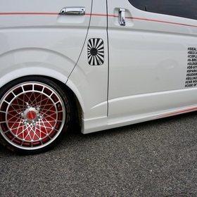 BEECASカスタムハイエース  ハイエース200系4型向けサイドステップ K.BREAK  スーパーカーニバル2016