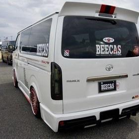 BEECASカスタムハイエース  ハイエース200系4型向けリアバンパースポイラー、リアウイング K.BREAK  スーパーカーニバル2016出展車両